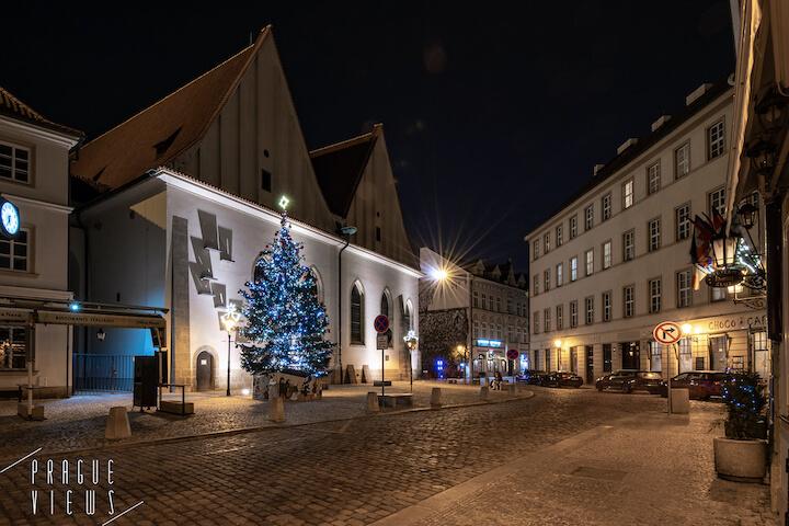 prague christmas tree bethlehem square
