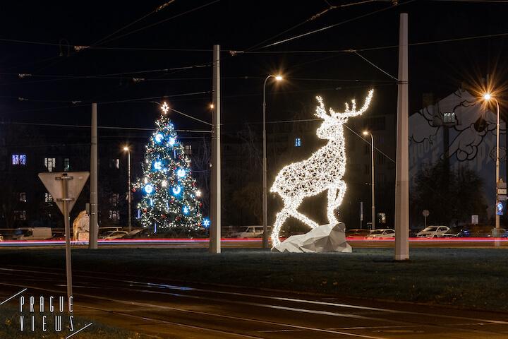 prague christmas tree victorious square