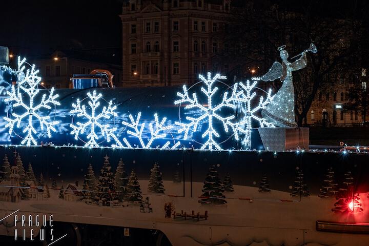 christmas lubricating tram mazacka prague